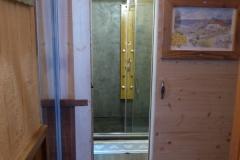 Entrée vers la nouvelle douche et  le sauna